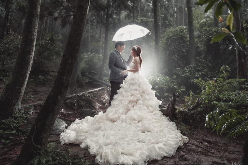 自助婚紗, 雨天婚紗, 婚攝東法, Donfer, Fine Art, Pre-Wedding, 自主婚紗, 閃燈婚紗